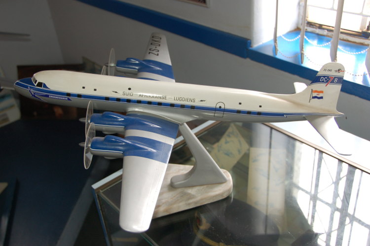 South_African_Airways_Museum_display_hall_3